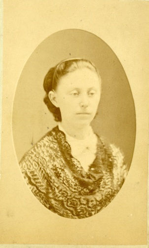 Fanny Cutting005